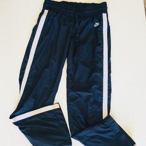 Nike Women's Athletic Pants Size M (8-10)